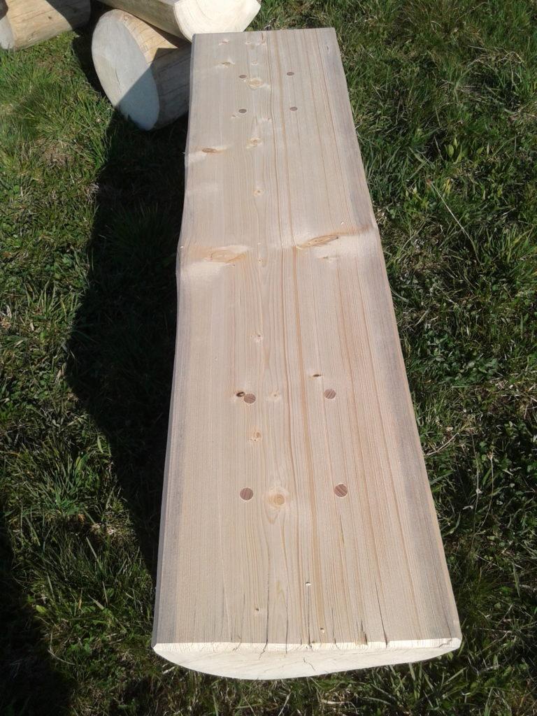 Povrchová úprava sedací desky hoblíkem