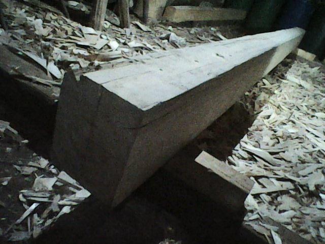 Tento trám má třeba 20x25cm délka 5m